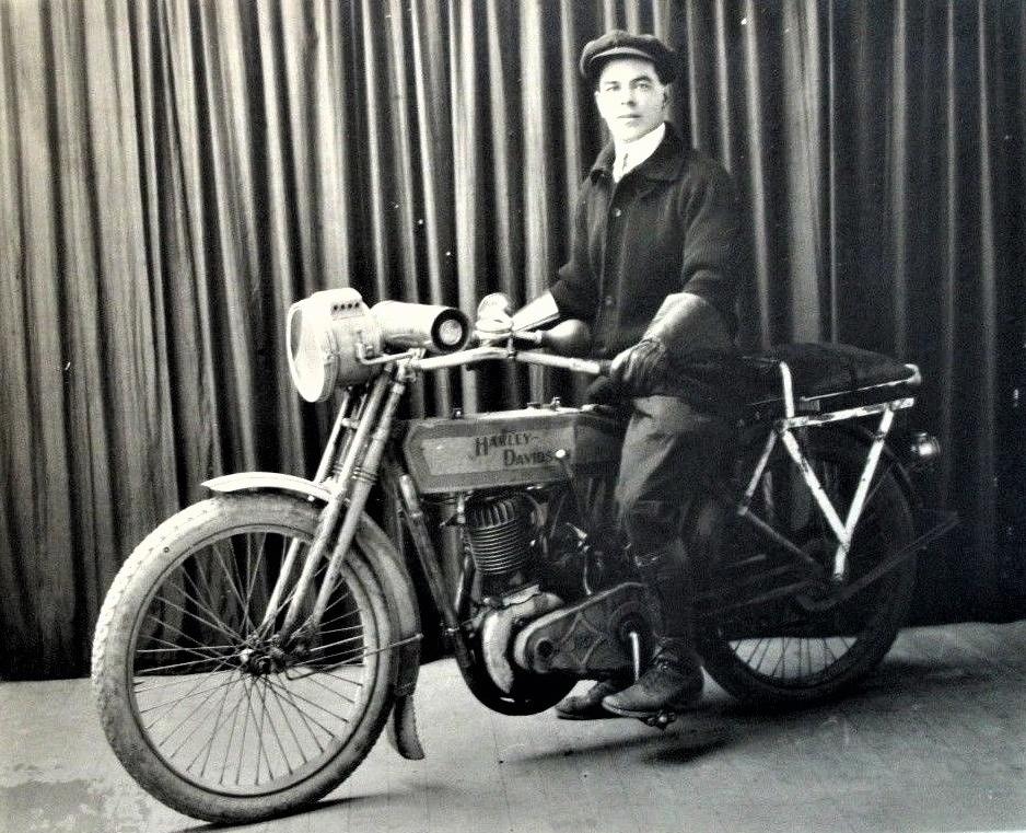 1913 - Harley-Davidson modelo 9B