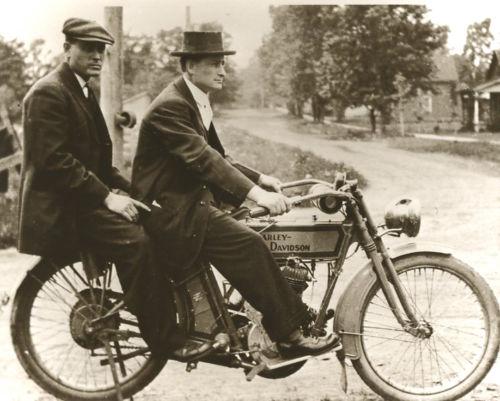 1914 - Harley-Davidson Modelo Single