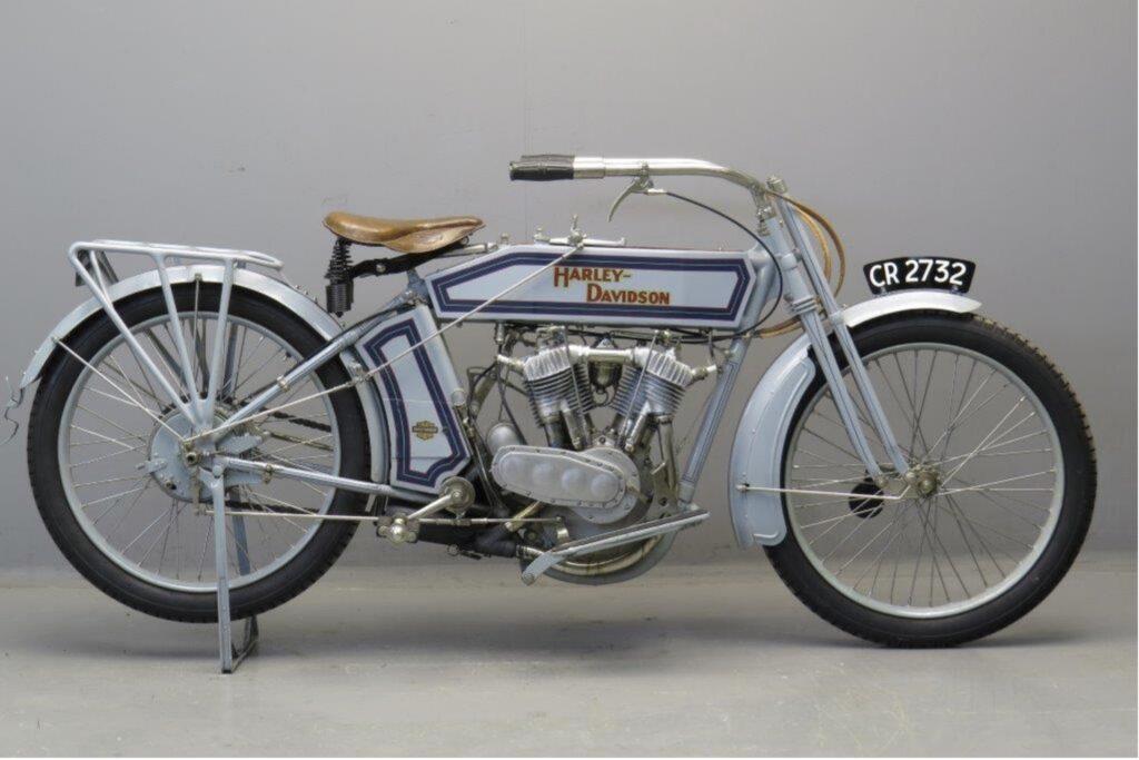 1914 - Harley-Davidson modelo 10F derecha