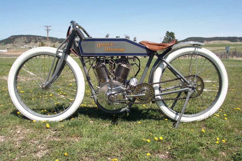 1915 - Harley-Davidson Stripped Stock - Izda
