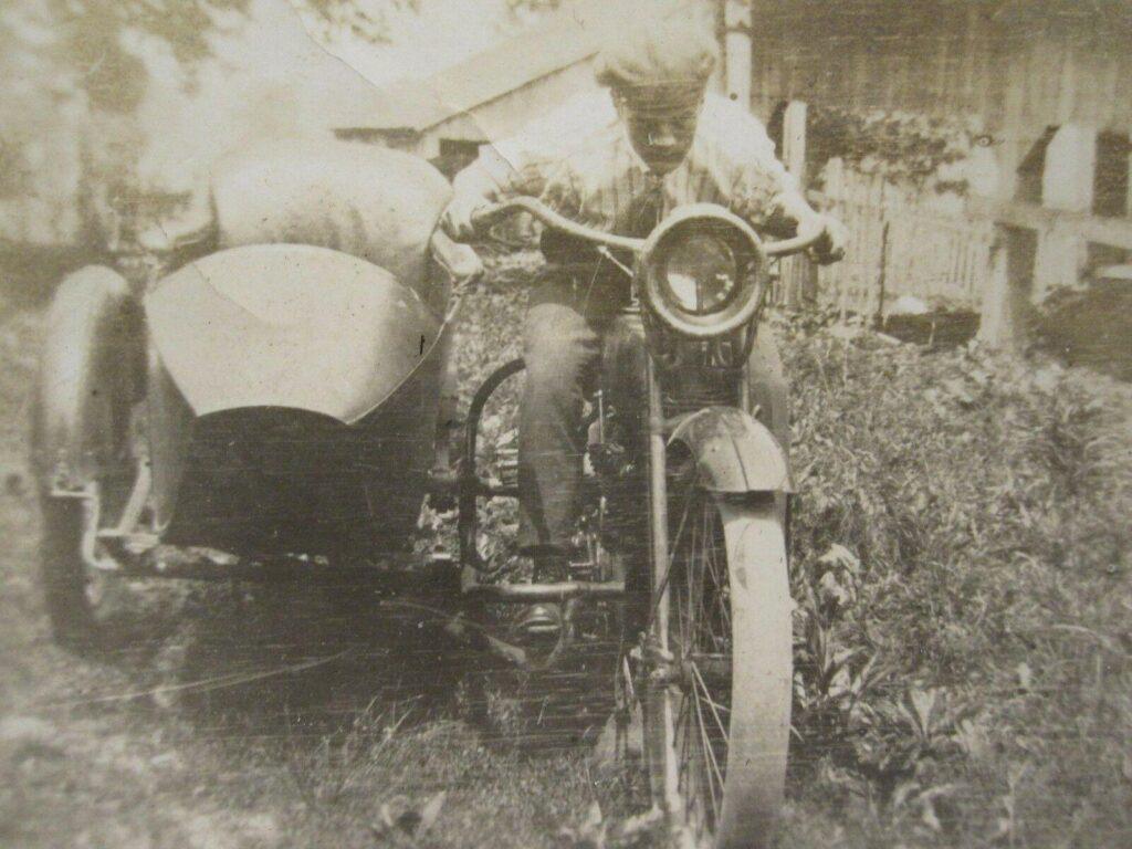 1915 - Harley-Davidson - Sidecar