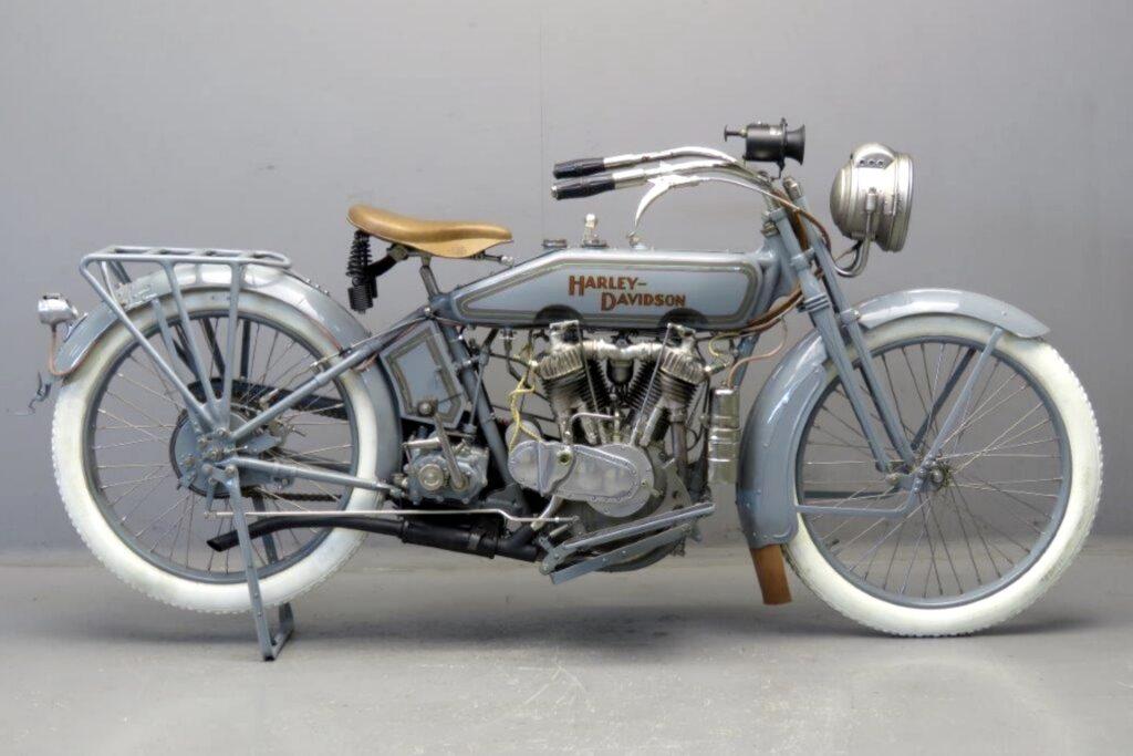 1916 - Harley-Davidson modelo 16F