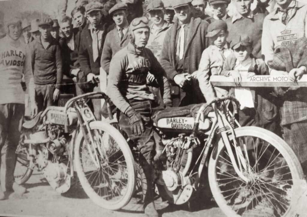 1916 - Maldwyn Jones y Ray Weishaar