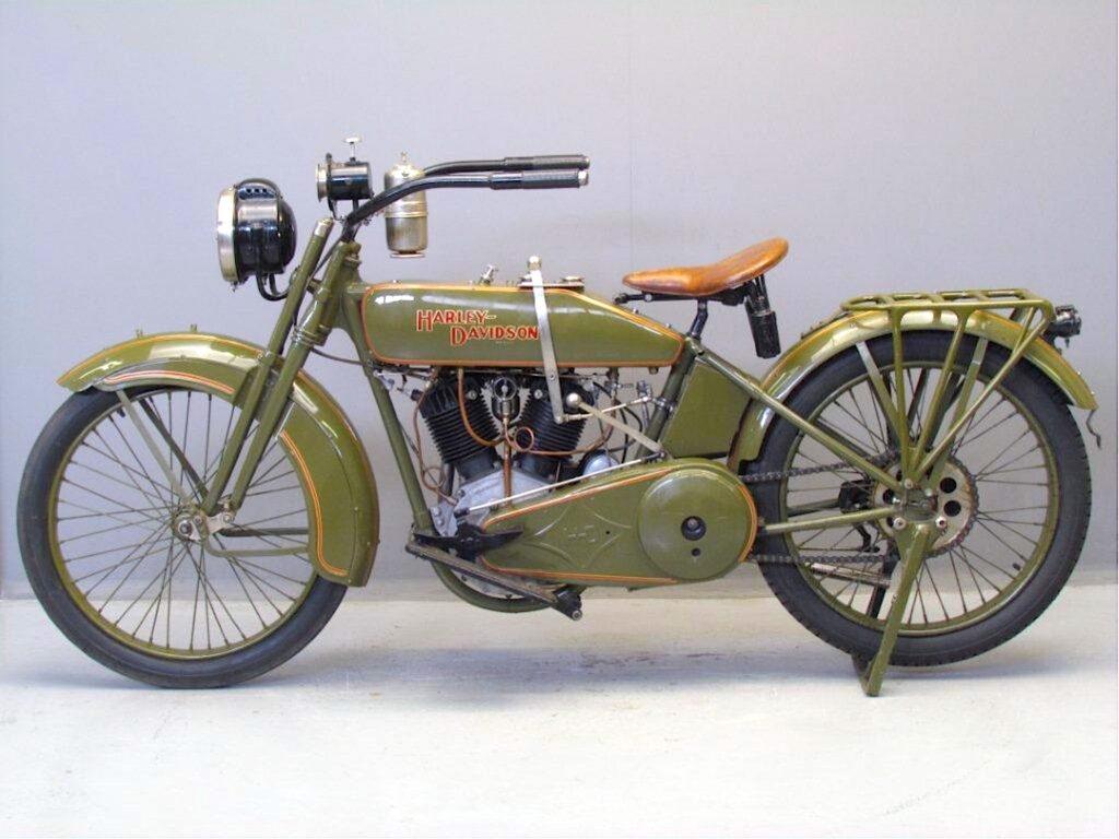 1917 - Harley-Davidson modelo 17T izquierda