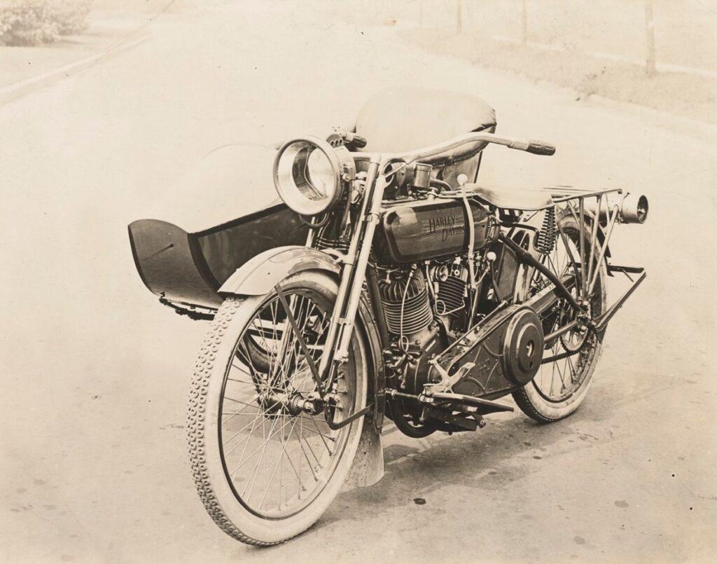 1918-harley-davidson-18F-sidecar