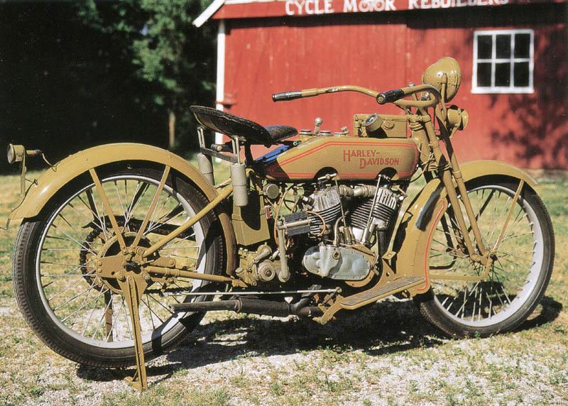 Harley-Davidson 20J de 1920 - Derecha