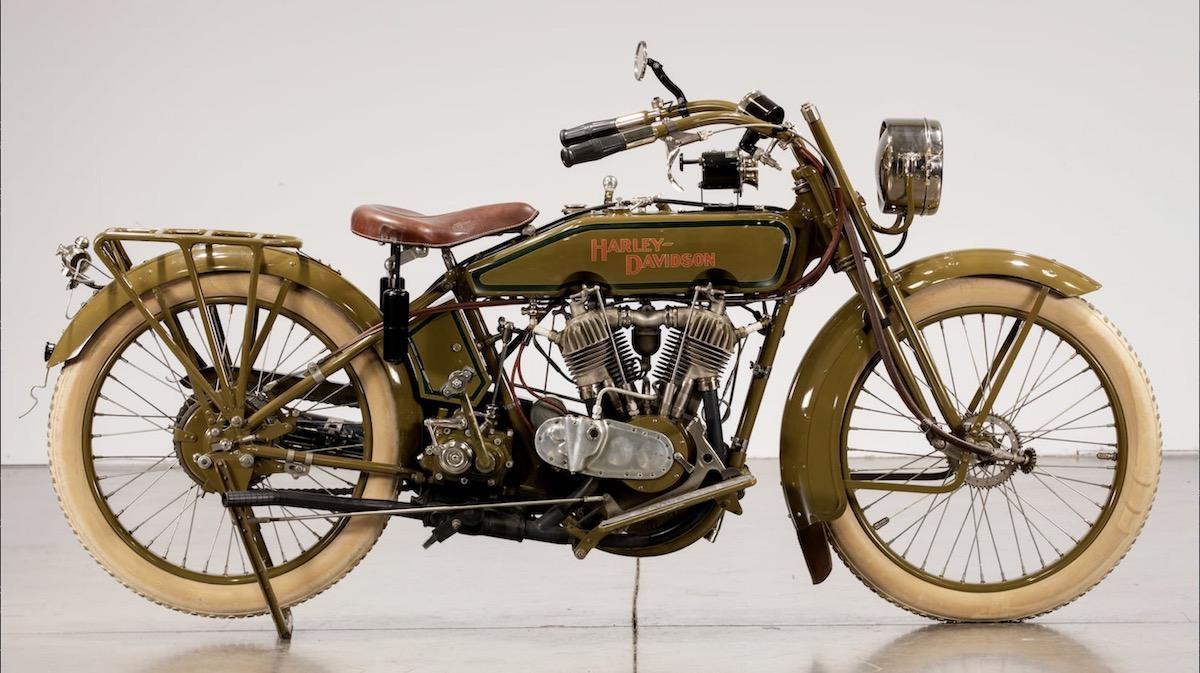 Harley-Davidson modelo 20J de 1920 (dcha)
