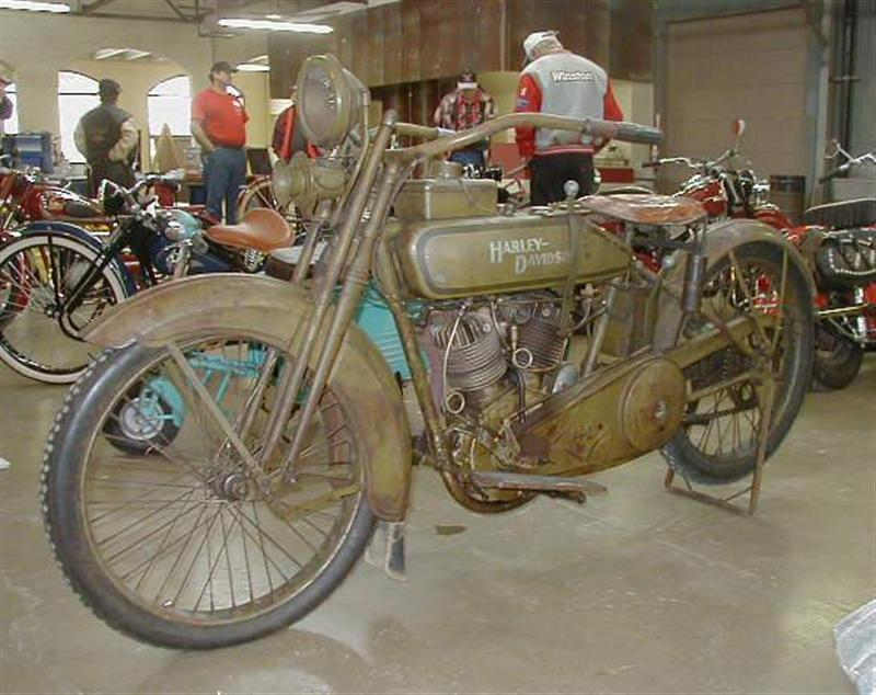 Harley-Davidson 21J de 1921 - Izquierda
