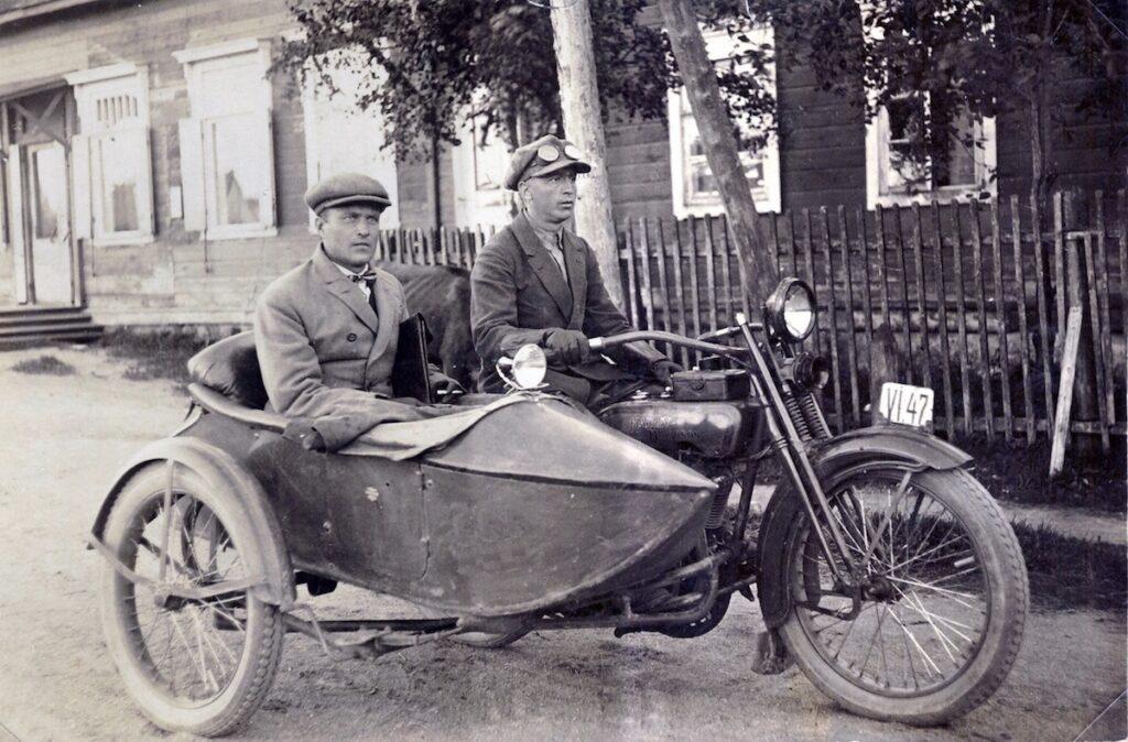 1921 - Harley-Davidson 21JD sidecar