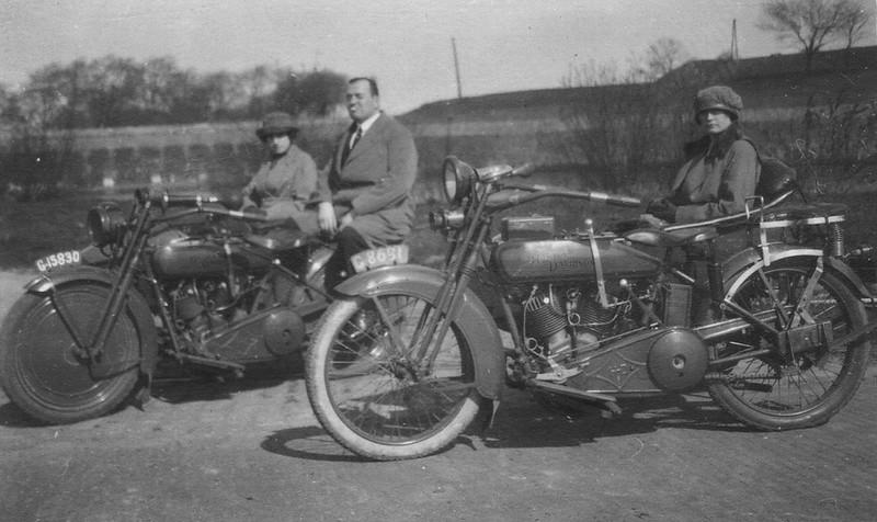 1921 - Harley-Davidson con sidecar