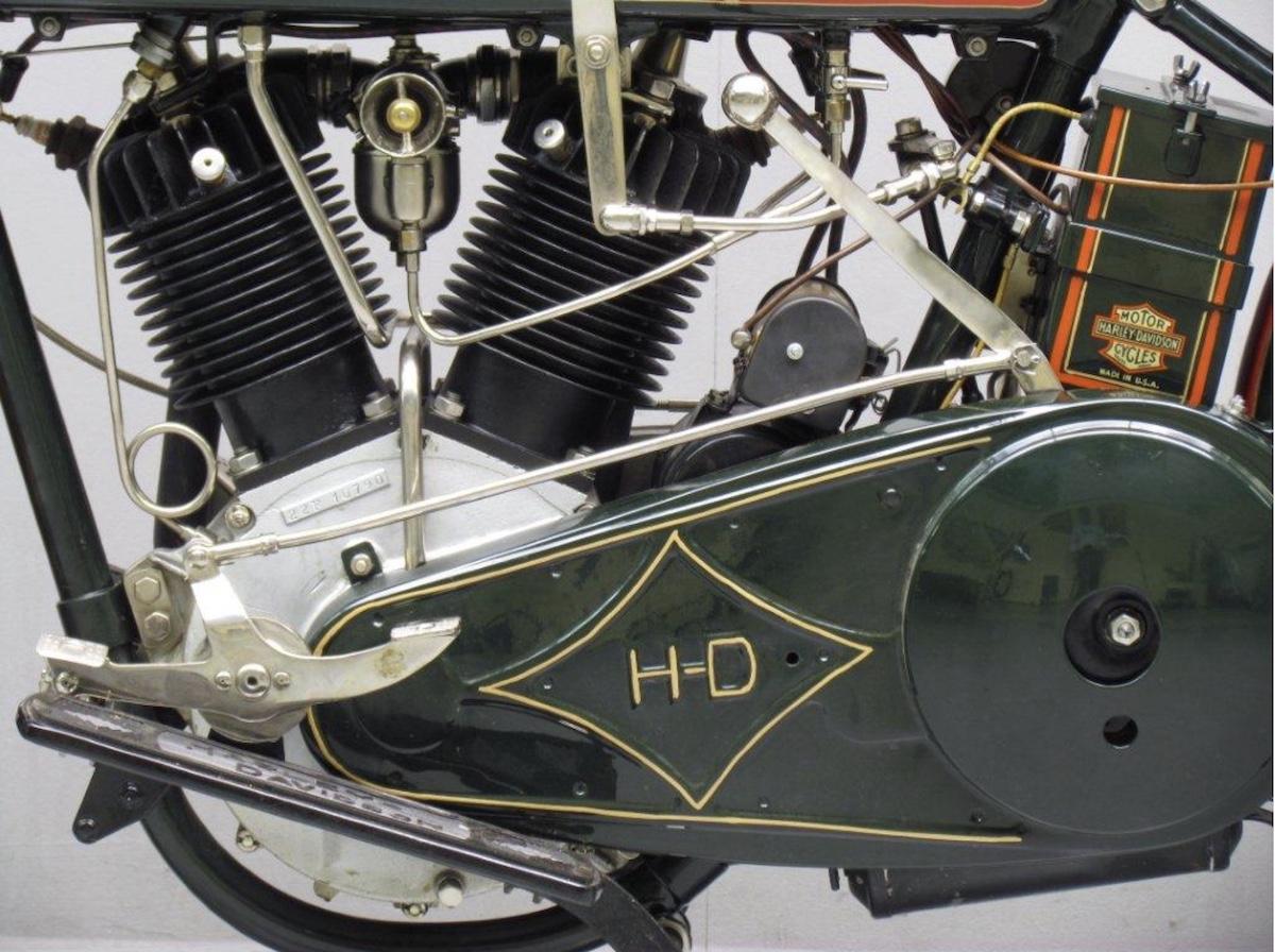 Vista izquierda motor de modelo 22F de 1922