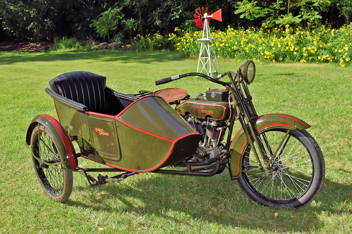 1923 - Harley-Davidson - 23JDS Sidecar (dcha)
