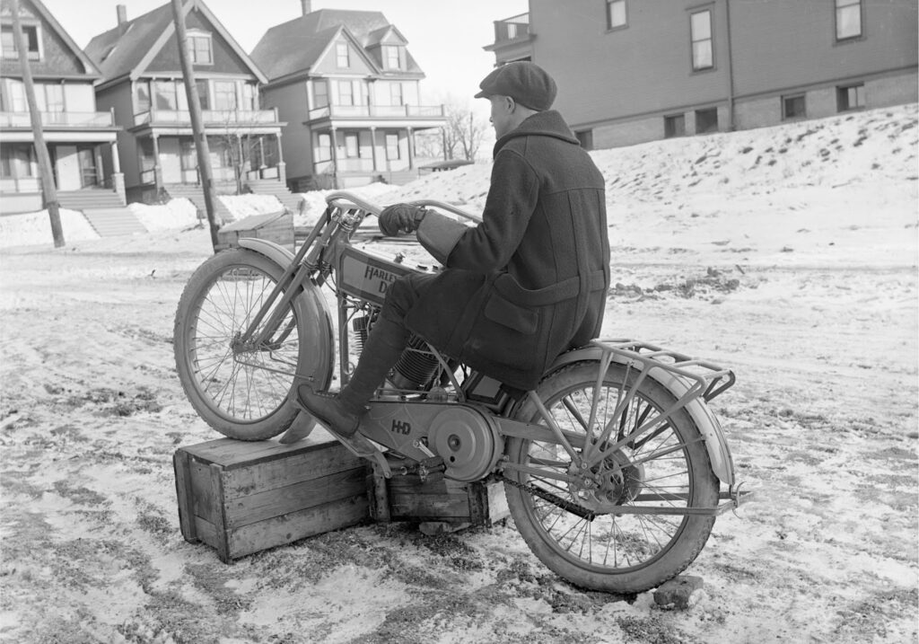 1915 - Harley-Davidson modelo 11F