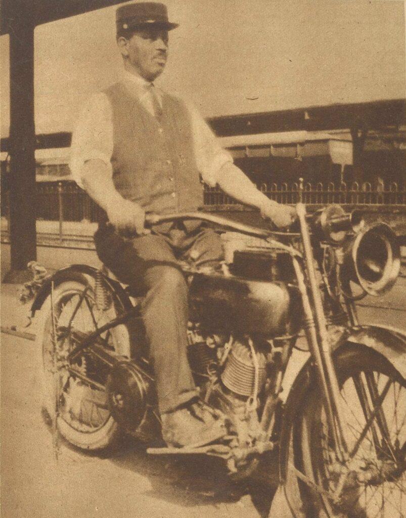 1923 - Harley-Davidson 23JD - Empleado estación