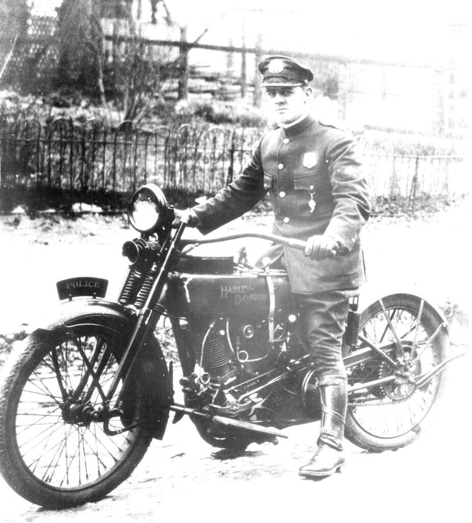 1923 - Harley-Davidson 23JD - Policía